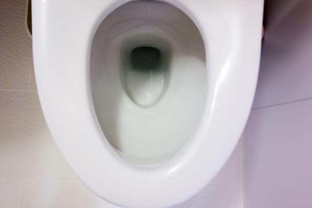 洋式トイレの水たまり