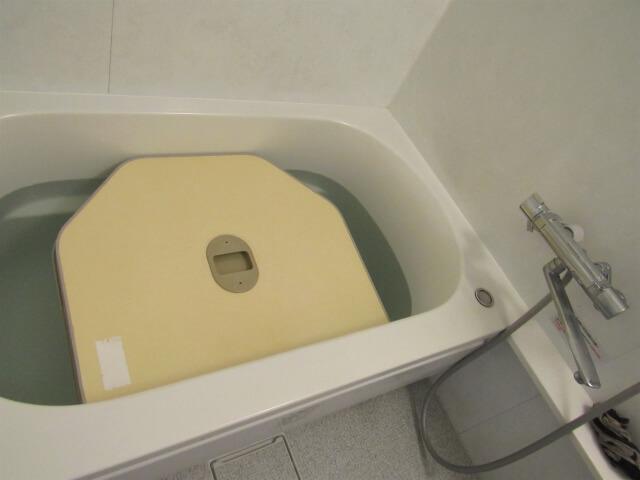 バスタブで浸け置き洗い