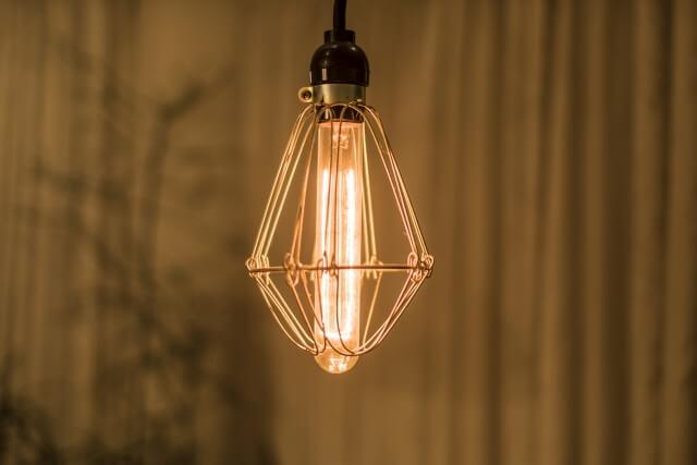 部屋のランプ