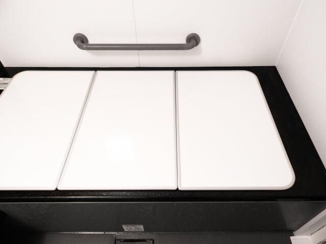 組み合わせ式の風呂の蓋