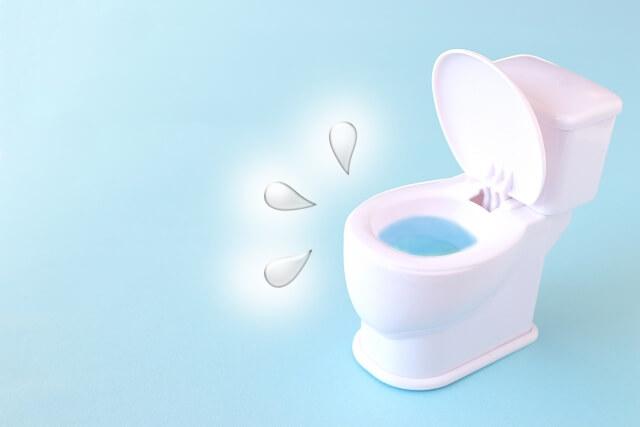 トイレと水の跳ね返り