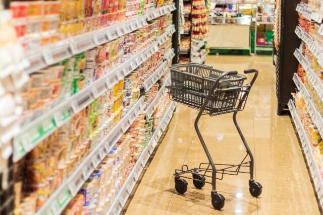 スーパーのショッピングカート