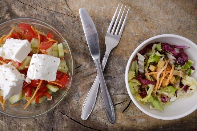 カット野菜を使ったサラダ