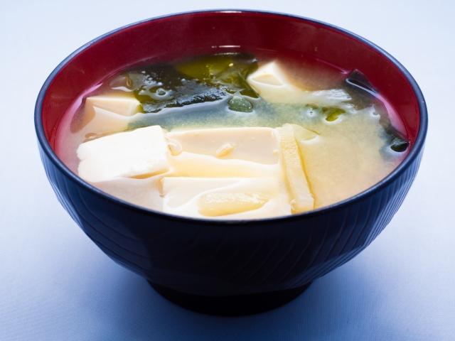 ワカメと豆腐の味噌汁