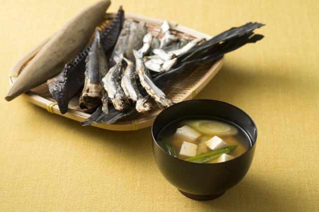 味噌汁と出汁の材料
