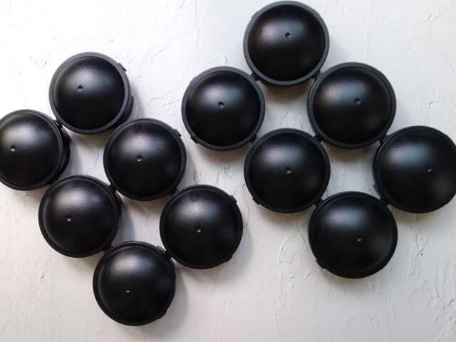 12個全部のブラックキャップ